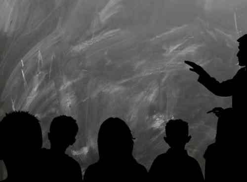 A középszerűséghez kitaposott út vezet – oktatási rendszernek hívják