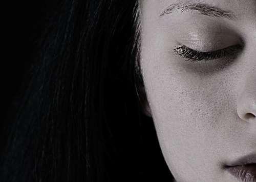 A társadalom megbecsült kirekesztettje – a fiatal anyuka